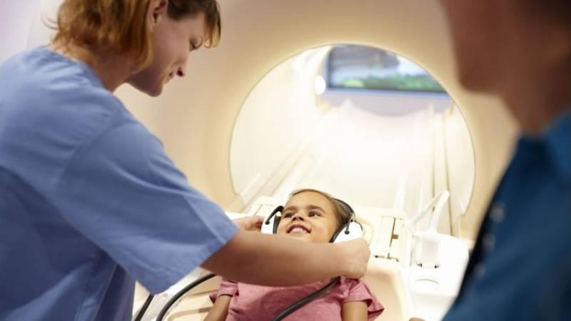 Подготовка пациента к обследованию головы